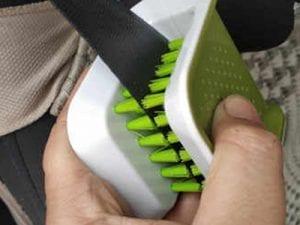 Auto-DNA Seatbelt Brush - Car